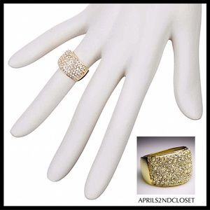 CRYSTAL PAVE GOLD STATEMENT COCKTAIL RING A3C